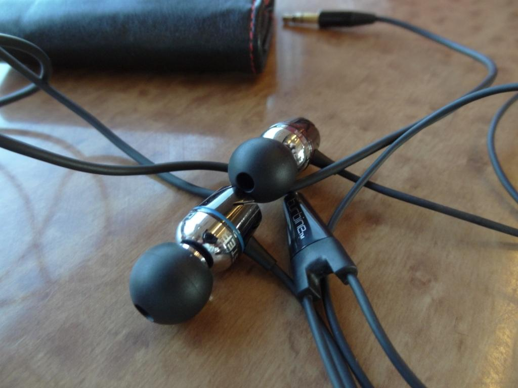 Monster Turbine earphones