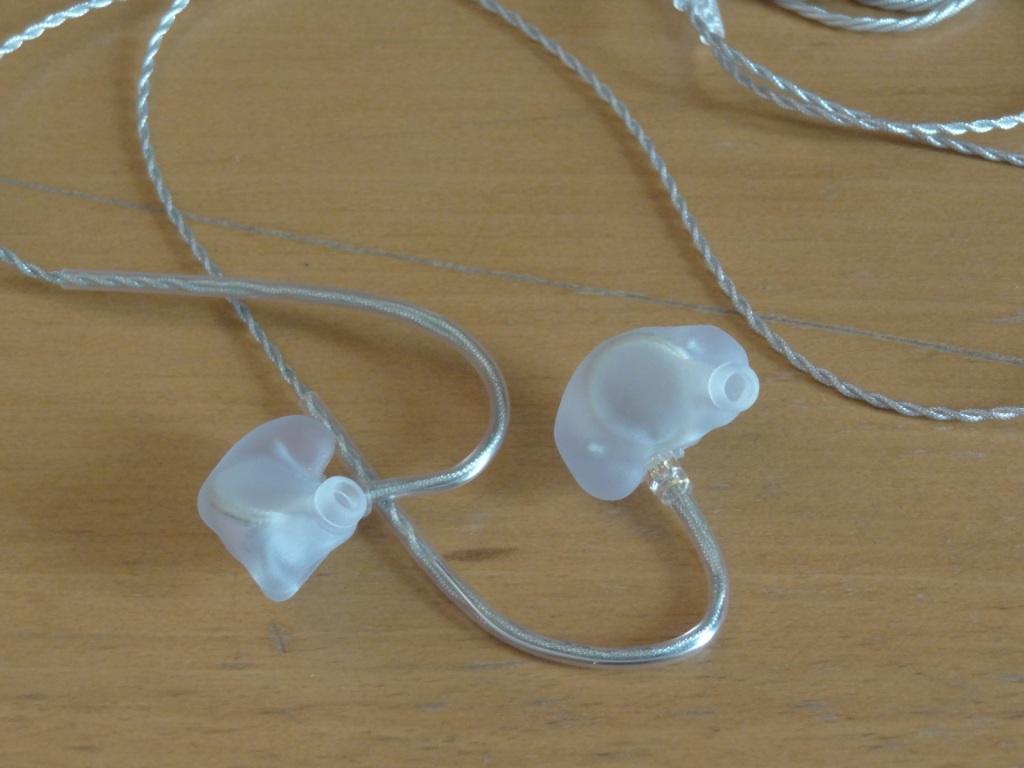 ASG-1 earphones