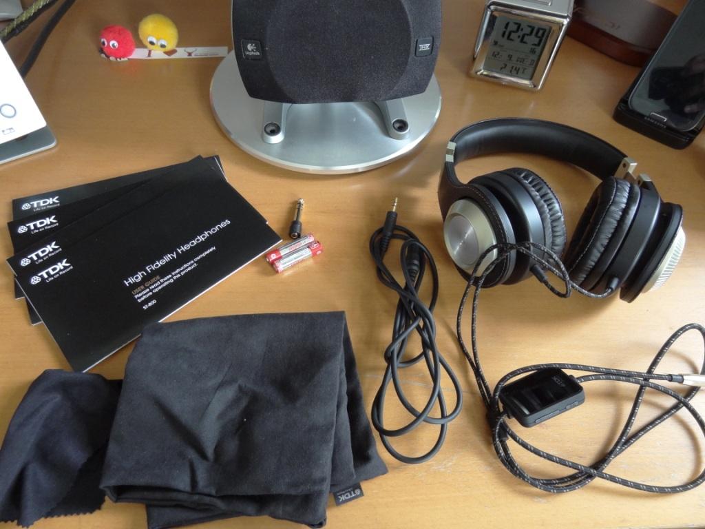TDK ST800 - Box Contents