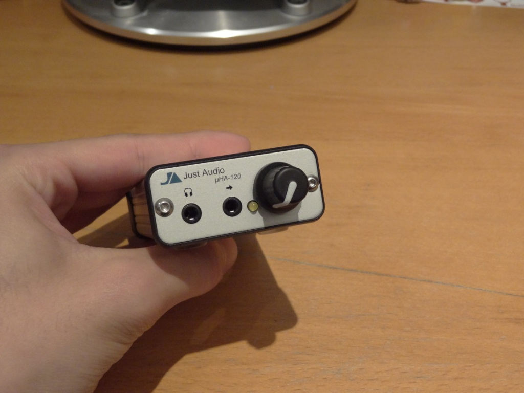 Just Audio µHA-120 - Front View