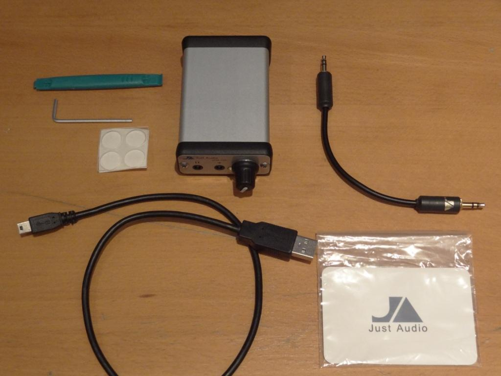 Just Audio µHA-120 - Package Contents