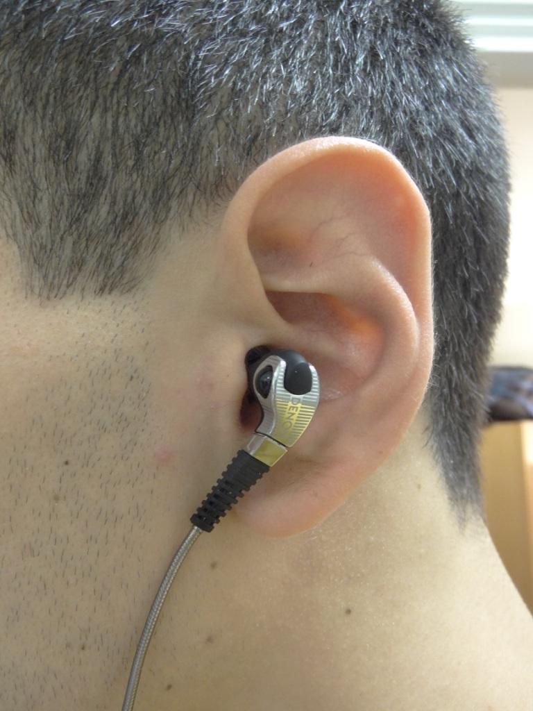 Denon AH-C400 - In-Ear straight down