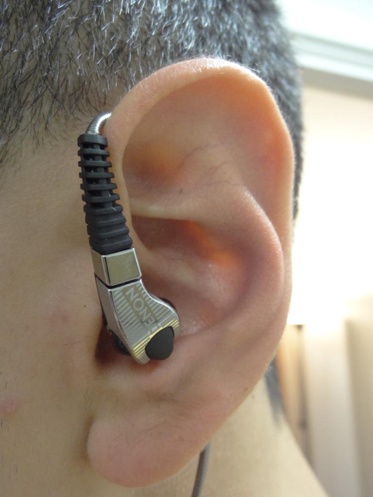 Denon AH-C400 - In-Ear over the ear