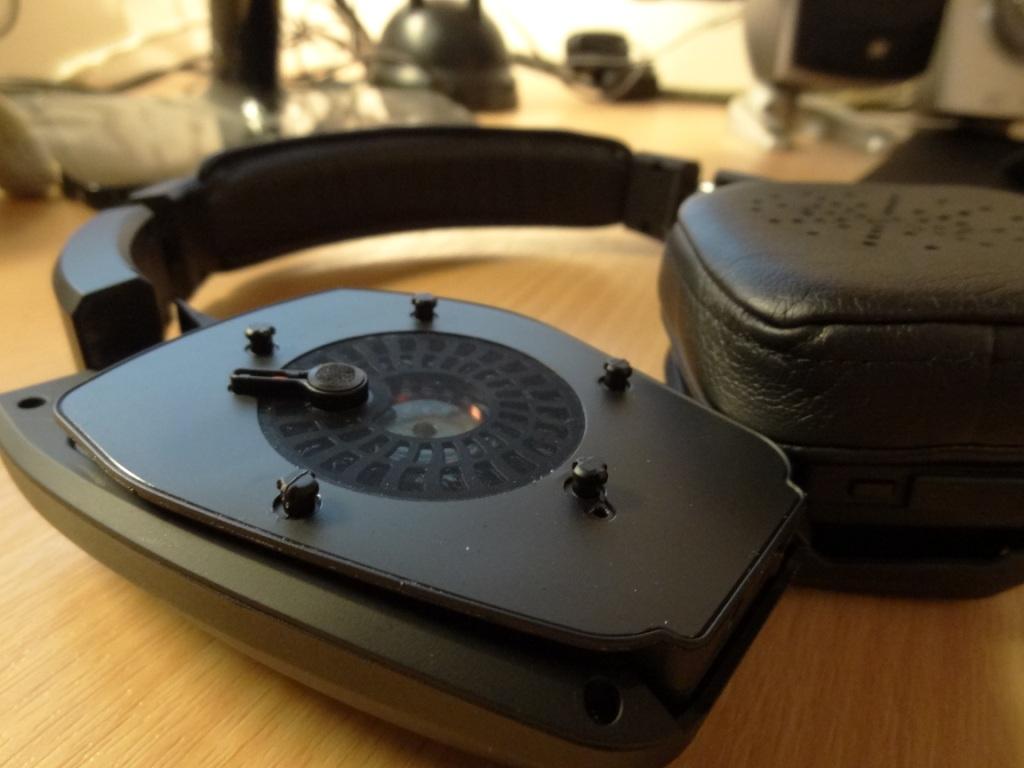 Denon AH-NCW500 - Removed ear pads