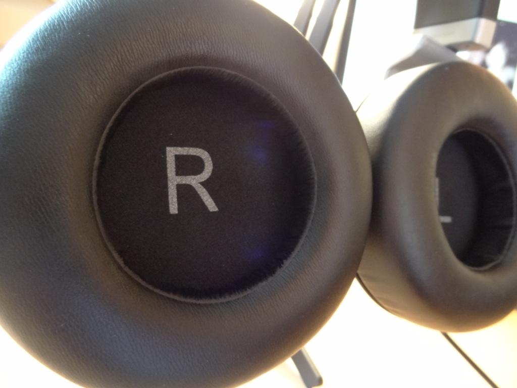 AKG K551 - Inside the ear cups