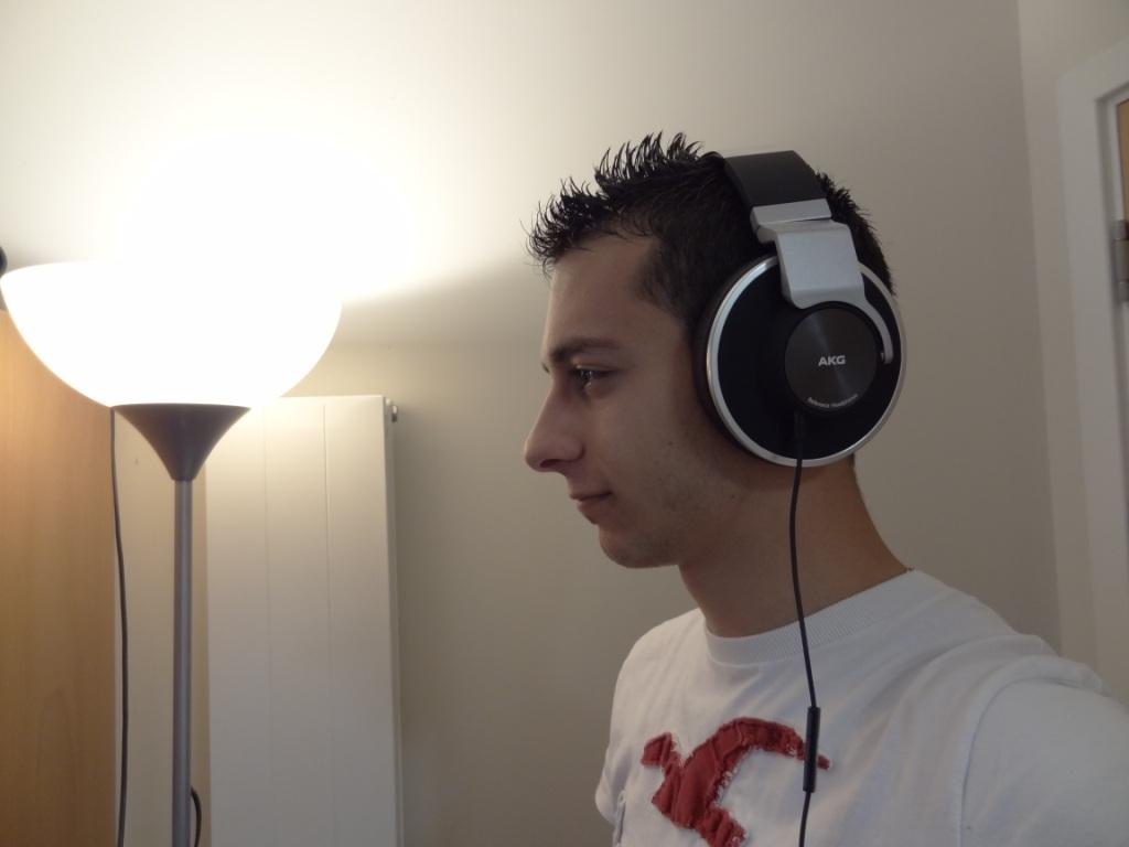 AKG K551 - On-ear look
