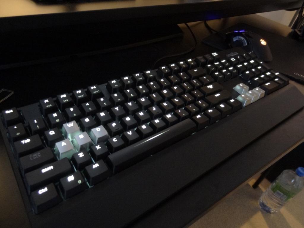 Perixx PX-5000 - backlit keys
