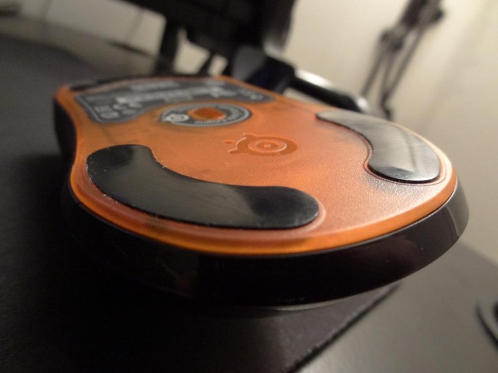 SteelSeries Sensei Mouse - Underneath