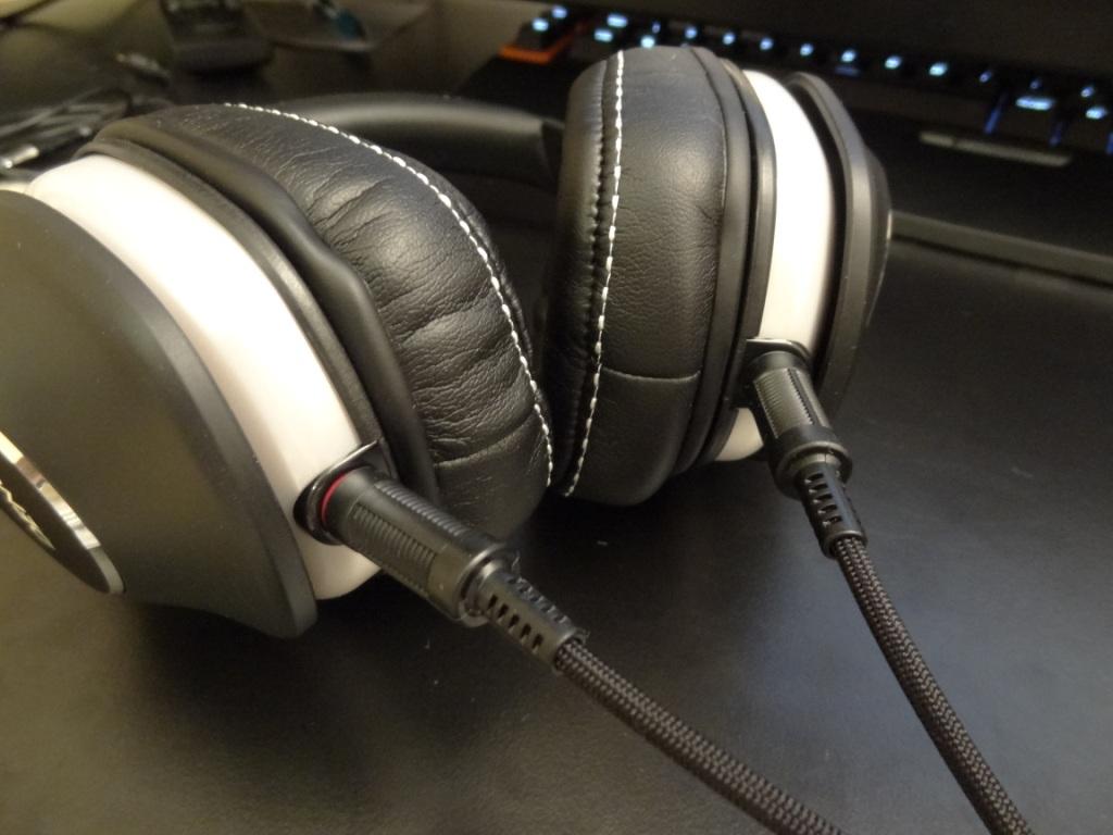 Denon AH-D600 - Connection