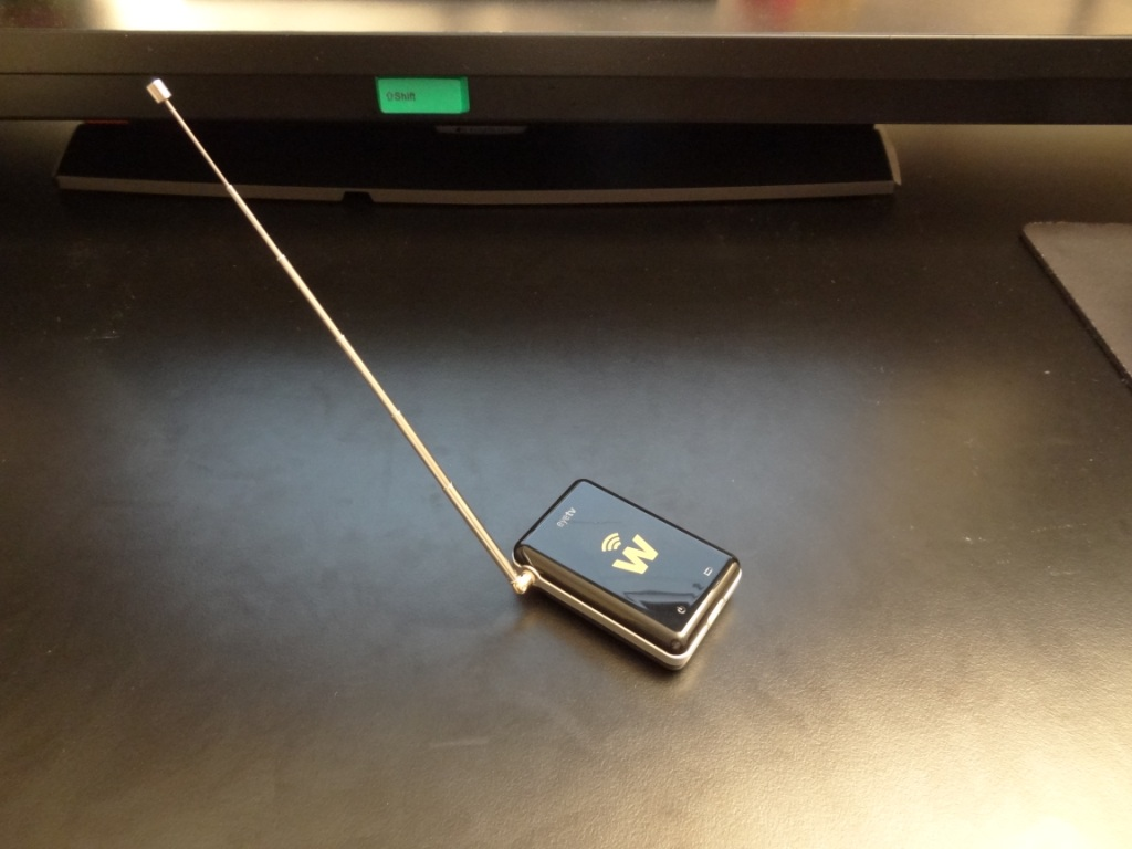 Elgato EyeTV W - Device with small antenna on full