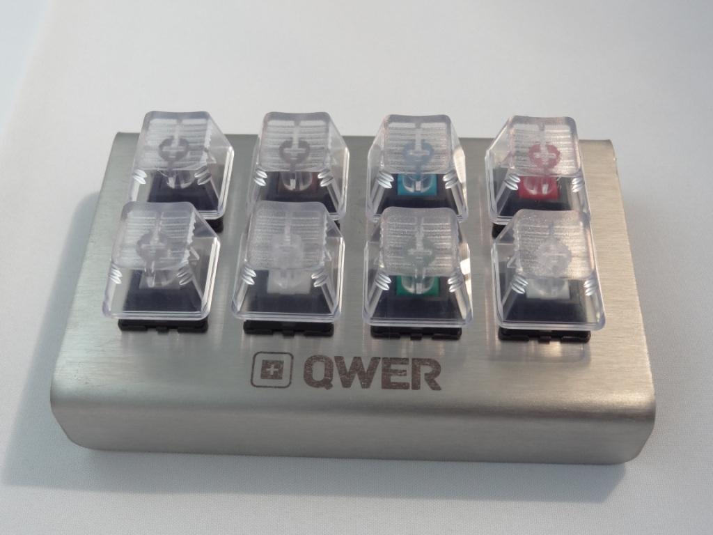 QWER8 V2 - Top