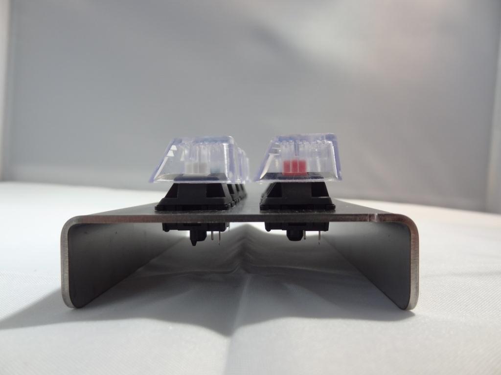 QWER8 V2 - Side