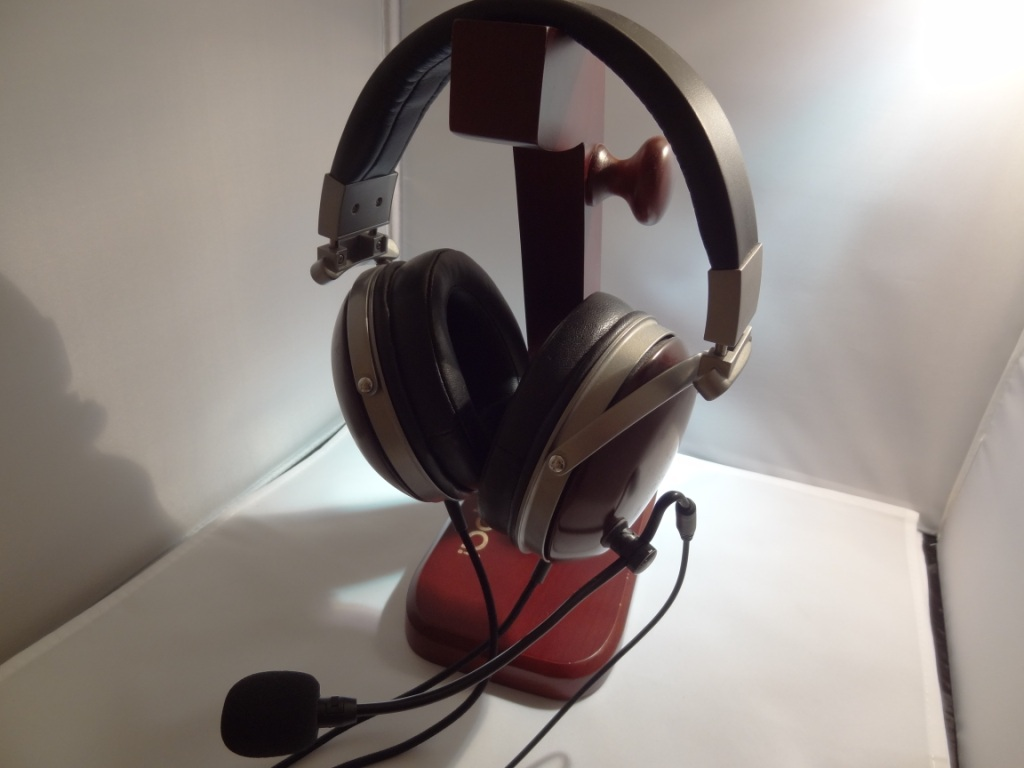 AntLion Audio ModMic 4.0 - On Modded Denon AH-D2000