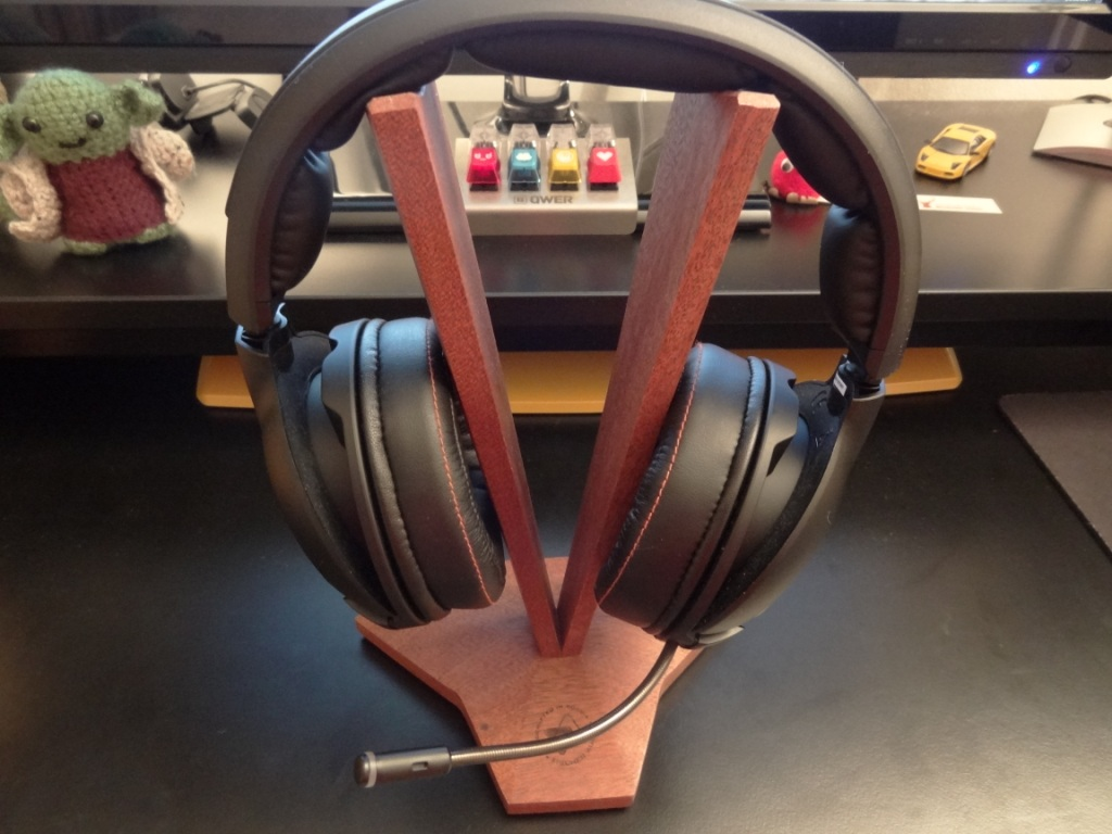 SteelSeries H Wireless - Looks