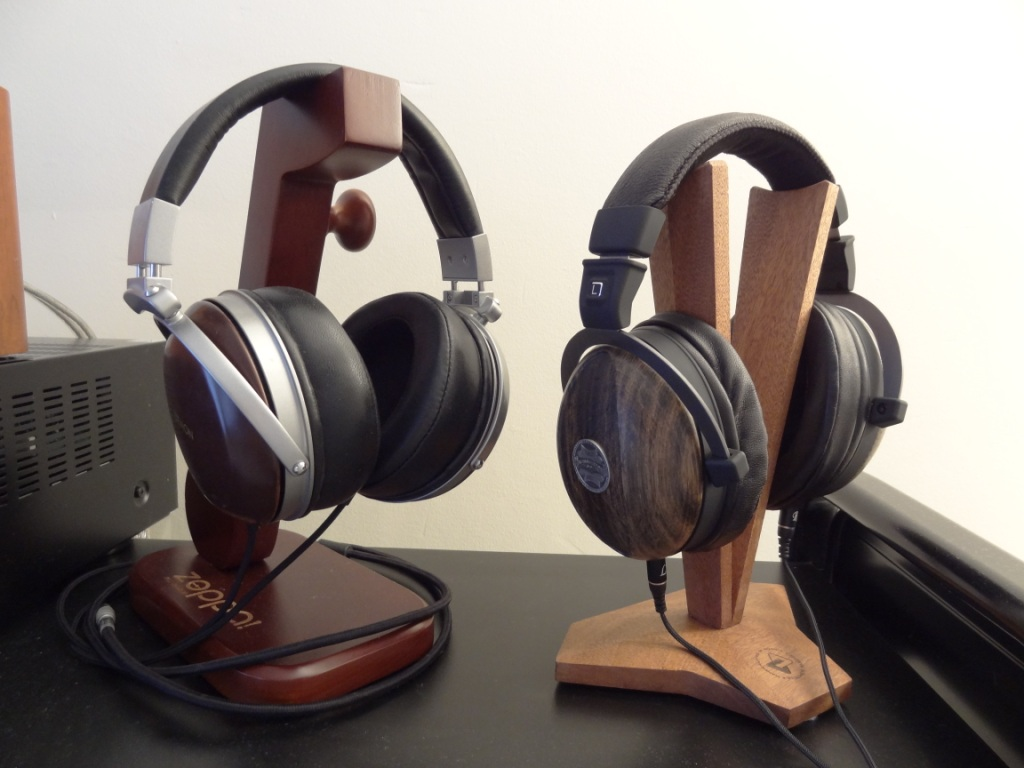 Fischer Audio V-Shape Stand With D2K and Kennerton Magister