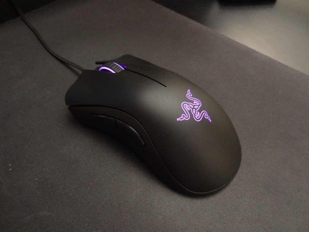 Razer DeathAdder Chroma - Looks