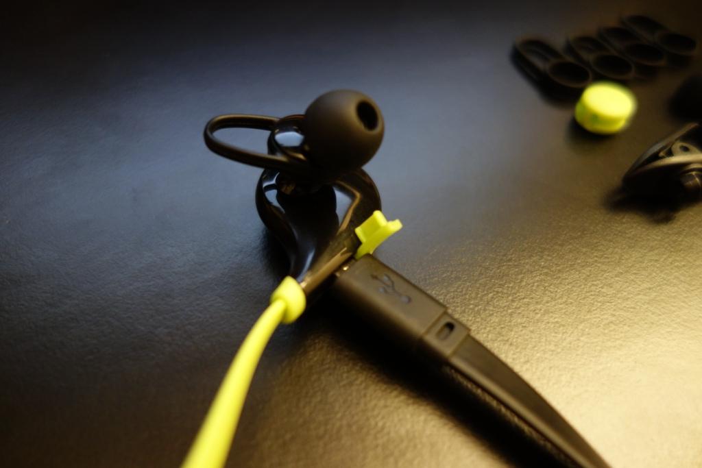 Soundpeats QY7 - Charging