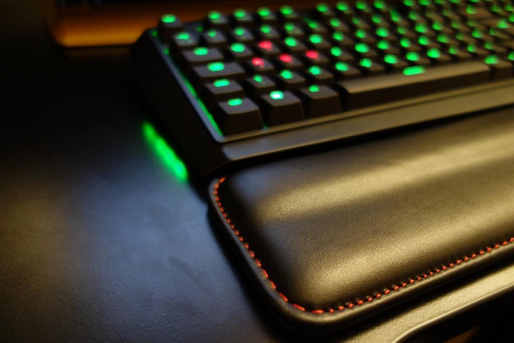 Keypop - Filco Wrist rest near keyboard