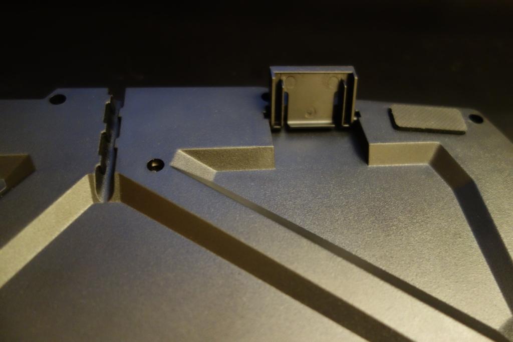 Sumvision Nemesis Ultra - Keyboard riser