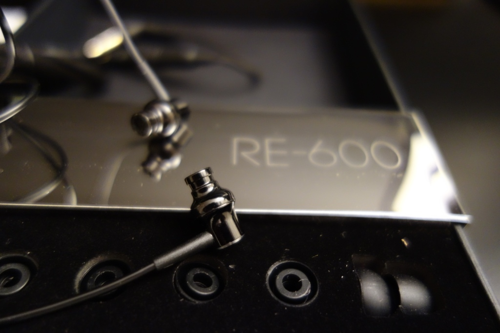 HiFiMAN RE-600 - Details