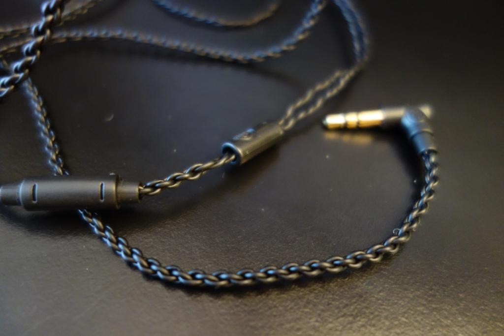 Future Sonics G10 - Cable