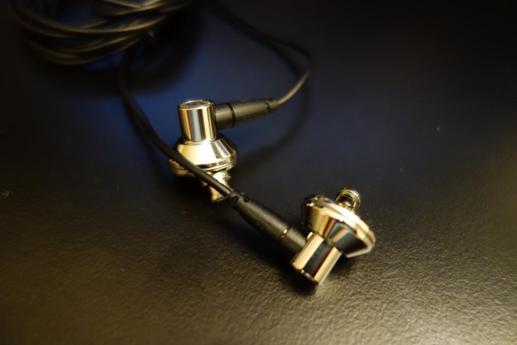 DUNU Titan 5 - Design