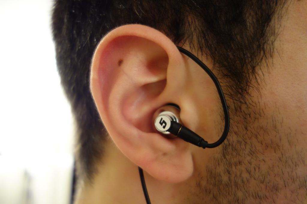 DUNU Titan 5 - Over the ear
