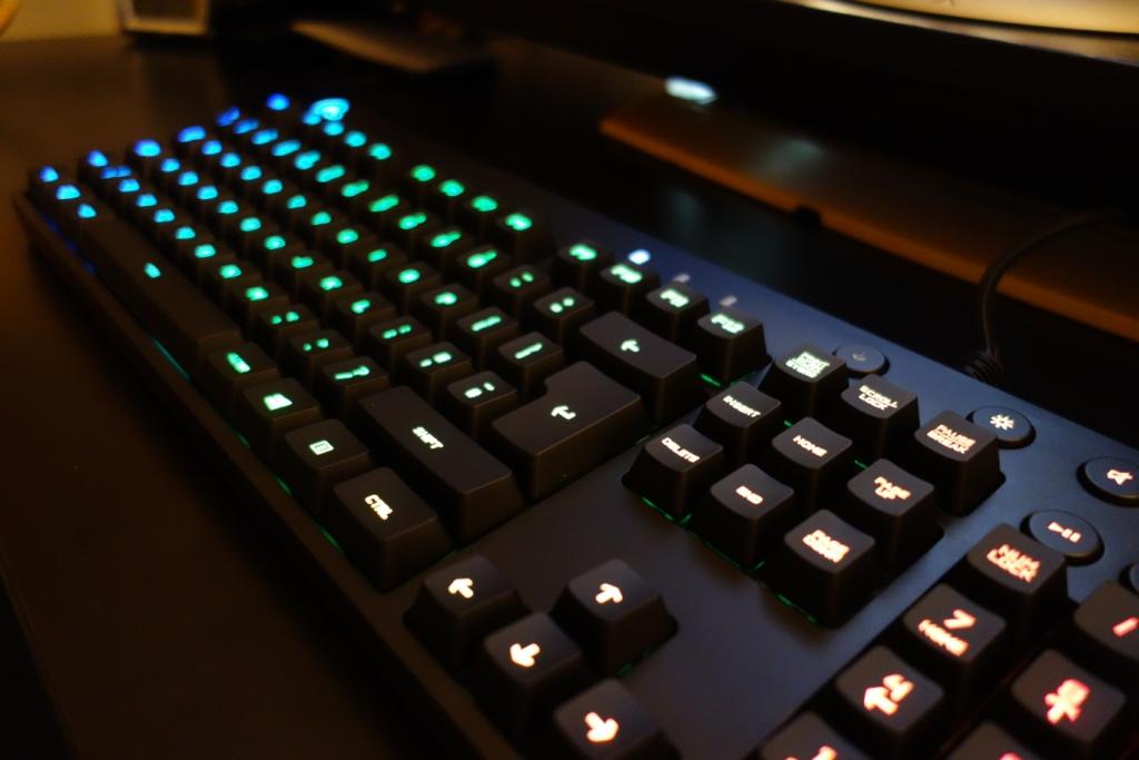 Logitech G810 Keyboard - Side RGB