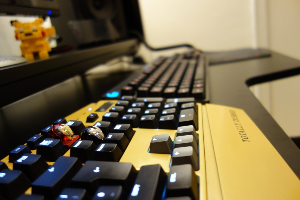 Logitech G810 Keyboard - Cherry MX