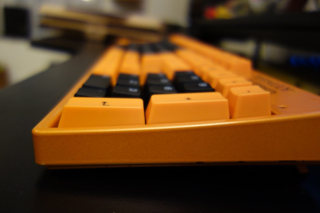 Max Keyboard ISO Keycaps - CM XT side