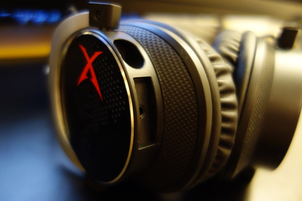 Creative Sound BlasterX H5 Headset Review - Headset connection