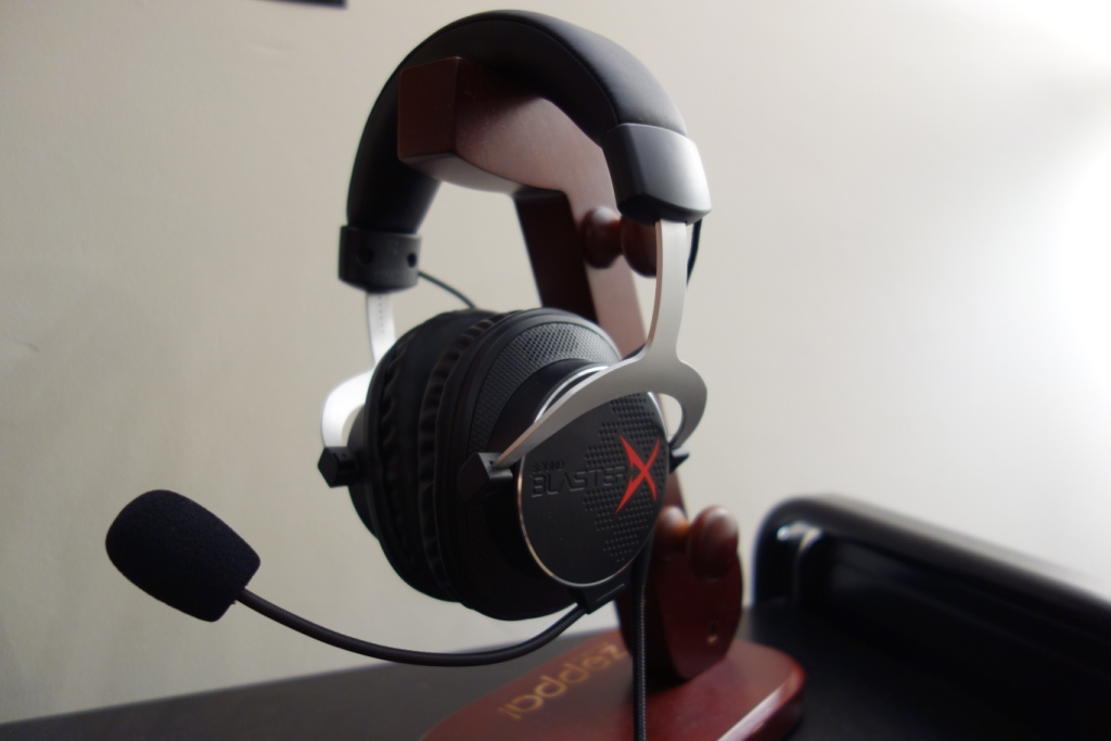Creative Sound BlasterX H5 Headset Review - Mic