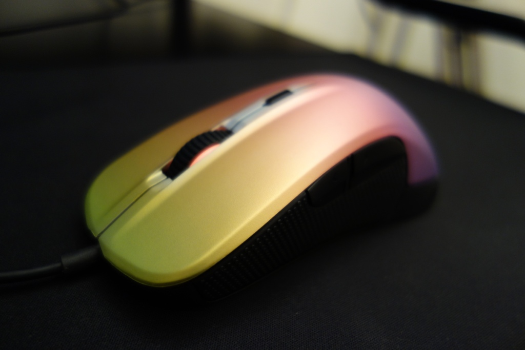 SteelSeries Rival 300 CS:GO Fade Edition Review - Faded