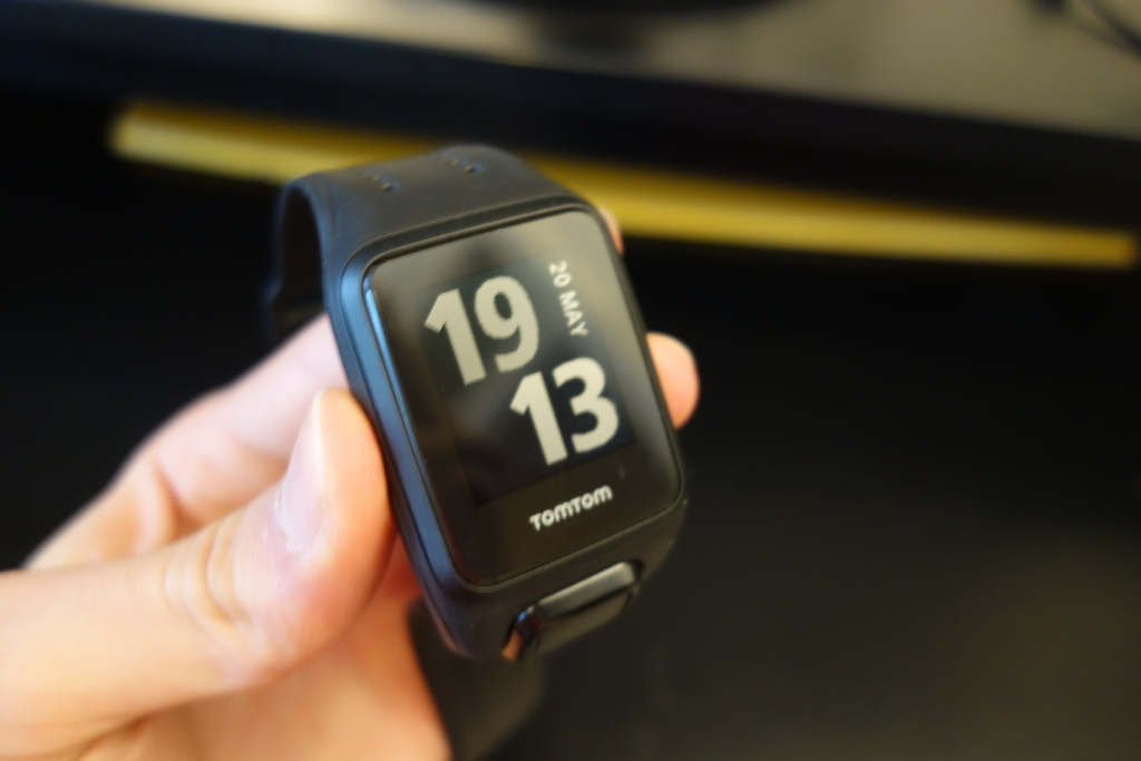 TomTom Spark Cardio + Music review - Looks
