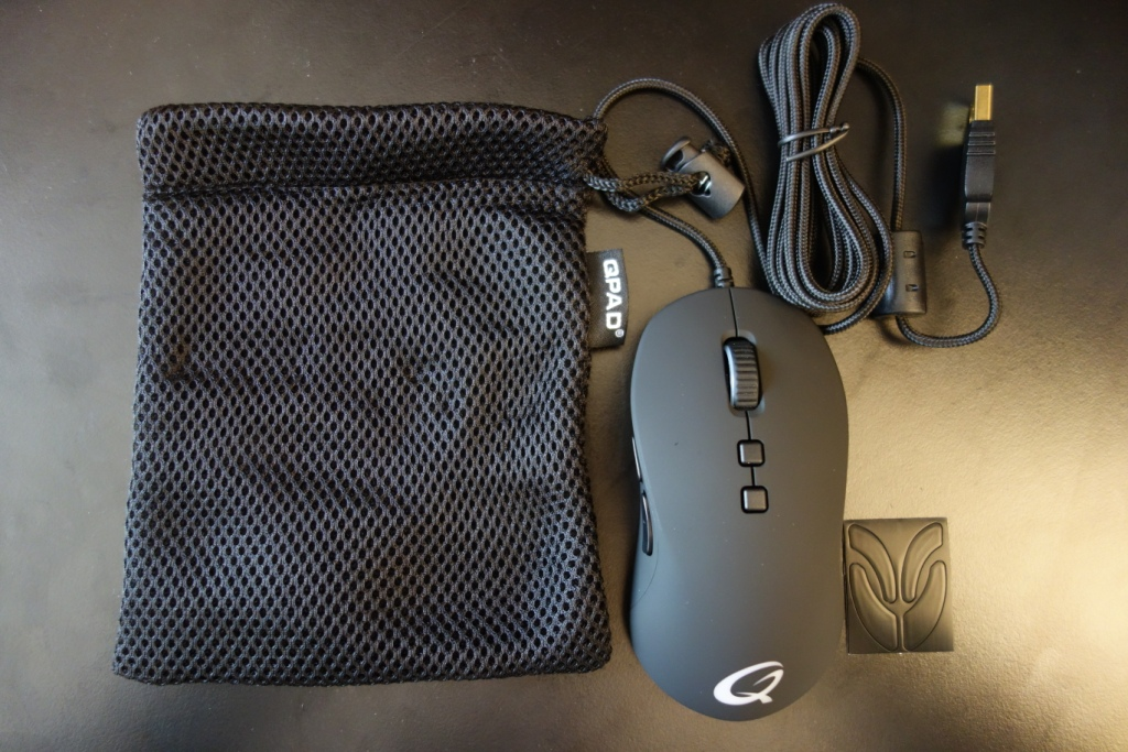 QPAD DX-20 Optical Gaming Mouse Review - Package Contents