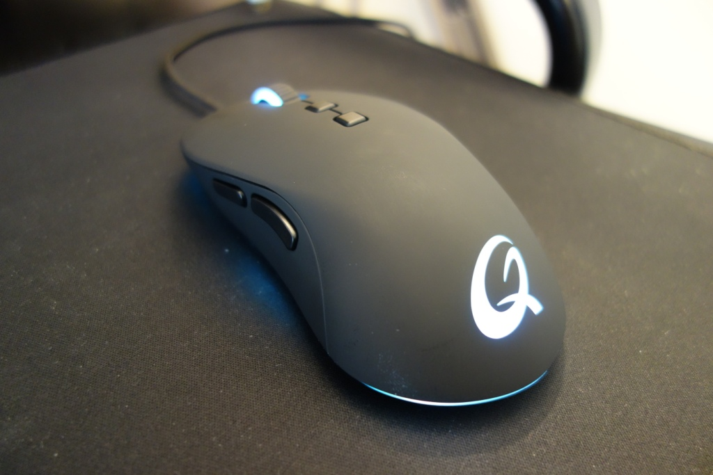 QPAD DX-20 Optical Gaming Mouse Review - Design